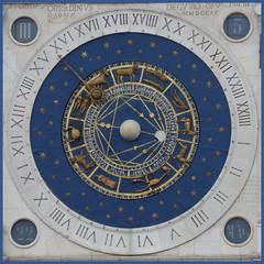 Torre dell'Orologio (ursula.valtiner) Tags: stadt town glockenturm belltower uhr clock astronomischeuhr astronomicalclock torredellorologio piazzadeisignori padua padova italien italy