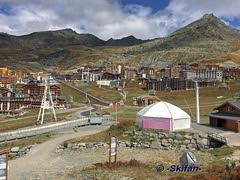 Ancienne et nouvelle  arrivée Tapis Campagnole (-Skifan-) Tags: skifan 3vallées 3v valthorens tapis campagnole