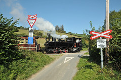 Steam locomotive No. 2 'Zillertal' drifts over Cwm Lane crossing with the midday service for Welshpool Raven Square on the W&LLR. (Chuffer Haynes) Tags: light linz austria railway steam locomotive mav zillertal llanfair no2 krauss welshpool golfa uclass lane cwm