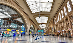 Hauptbahnhof (r.wacknitz) Tags: hauptbahnhof trainstation traffic leipzig sachsen architektur architettura architecture historic nikon sigma1020 luminar18