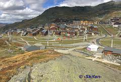 Partie déplacée et partie à déplacée (-Skifan-) Tags: skifan 3vallées 3v valthorens tapis campagnole