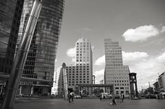 Turm (Atreides59) Tags: berlin deutschland germany allemagne urban urbain ciel sky nuages clouds architecture street black white bw blackandwhite noir blanc nb noiretblanc pentax k30 k 30 pentaxart atreides atreides59 cedriclafrance