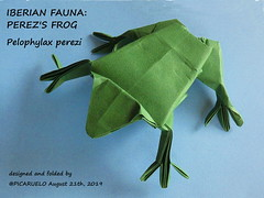 PEREZ'S FROG (PICARUELO) Tags: frog rana origami paperfolding papiroflexia paper papel