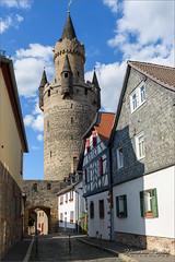 Burg Friedberg - Hessen (D) (Hans van Bockel) Tags: duitsland 1680mm d7200 germany nikon hessen nikkor taunus lightroom hansvanbockel friedberg burg burcht city tower architecture toren medieval architektur architectuur middeleeuws adolfsturm