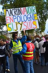 En réponse à Macron qui veut que les jeunes aillent manifester en Pologne