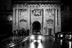 Porta Terraferma, Zadar, Croatia (pas le matin) Tags: gate porte portaterraferma zadar croatie croatia hrvatska europe europa architecture travel voyage world canon 7d canon7d canoneos7d eos7d car voiture street rue bw nb blackandwhite noiretblanc