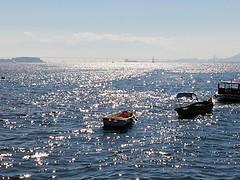vai brilhar (lucia yunes) Tags: mar oceano beleza barcos navegar navegação brilho brilhante riodejaneiro mobilephotography sea seascape life beauty boat water luciayunes