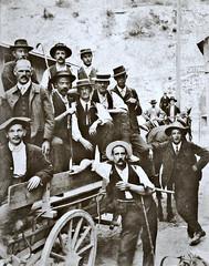 guides prenant la pose dans les Pyrénées, vers 1890... Collection Reynald ARTAUD (Reynald ARTAUD) Tags: xixè siècle 1890 vers france pyrénées guides pose collection reynald artaud