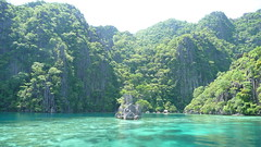 The Great Wall of Palawan (Eye of Brice Retailleau) Tags: photographe no filter francais parisien adventure parisian photographer travel traveler photography photographie french voyage visit voyageur angle home tour brice retailleau quintessence de voisinage bright website backpack life backpacker beauty best composition perspective pure light colorful colourful couleurs scenic trip du monde around world earth wonderful beautiful gorgeous amazing journey destination tourisme tourism backpacking sea ocean seaside oceanside water coast beach playa swim philippines palawan island elnido paradise