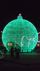 DSCF1704 (rugby#9) Tags: fuengirola spain costadelsol andalucia christmaslights christmas bauble large giant round christmasdecoration decoration people