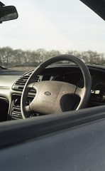 Ford Mondeo 1993 (benjamin.locksmith98) Tags: car fordgreen green classic mondeo sunset