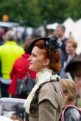 065a  2019-09-15 Steamfest Papenburg Gut Altenkamp (Roger-Kersten) Tags: steamfest papenburg gutaltenkamp altenkamp steampunk hut frau woman