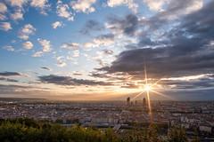 (Laetitia.p_lyon) Tags: fujifilmxt2 lyon sunrise leverdusoleil leverdujour light lumière nuage cloud