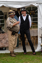 151a  2019-09-15 Steamfest Papenburg Gut Altenkamp (Roger-Kersten) Tags: steamfest papenburg gutaltenkamp altenkamp steampunk hut zylinder cylinder mann man männer