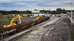 Busy unloading at Longport (robmcrorie) Tags: 20118 20132 longport esso pinnox branch sidings land reclamation first service working class 20 dcr nikon d850 recovery