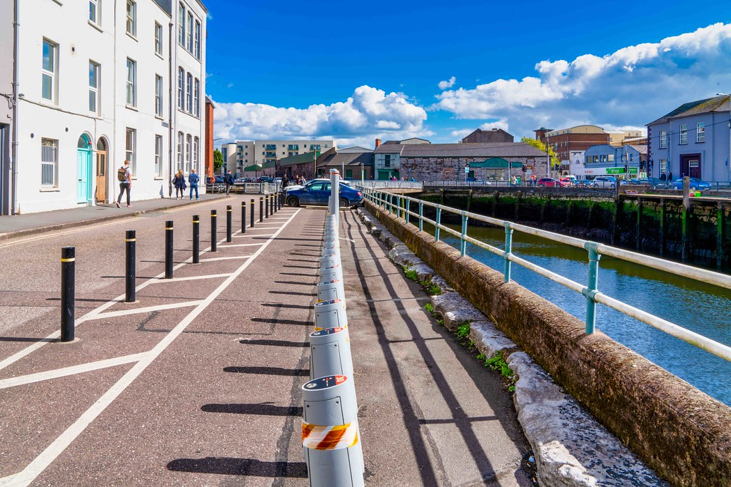FATHER MATHEW QUAY IN CORK CITY - MORRISON