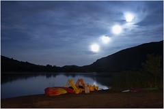 (an to nin) Tags: salagou lac lake rouge red nuit night poselongue longposure superposition lune moon bateau pédalo kayak top20moonshots