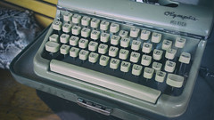 Just another typewriter on Main Street... (Eric Flexyourhead) Tags: vancouver canada britishcolumbia bc mainstreet eastvan city urban detail fragment shop store window display typewriter olympia monica olympiamonica analogue keyboard old retro vintage 169 sonyalphaa7 zeisssonnartfe35mmf28za zeiss 35mmf28