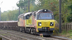 70811 & 56049 at Morpeth (stephen.lewins (1,000 000 UP !)) Tags: colas class56 class70 70811 56049 robinoftemplecombe ecml grids morpeth northumberland railways