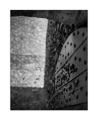 capturé (Armin Fuchs) Tags: arminfuchs nomansland citadelle sisteron door 6x7 light shadow walls stones niftyfifty anonymousvisitor thomaslistl wolfiwolf jazzinbaggies