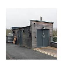 mystery shed (chrisinplymouth) Tags: shed hut storage derrifordhospital plymouth devon england uk city cw69x trait diagonal urbio xg r232 diag cameo