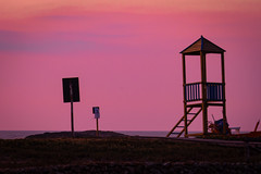 Purple Tower (definitelymaybe0682) Tags: sunset lifeguardtower longexposure sky minimal minimalistic