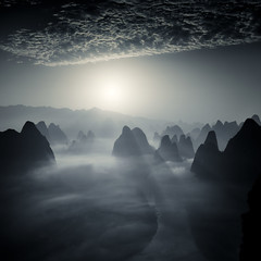 Xianggong Shan sunrise (Fabrizio Massetti) Tags: sunrise sun sunlight sunset fabriziomassetti famasse fishermen guilin guangxi gold mountain mount cina china cambo phaseone iq180 schneider fog clouds landscape landscapes light