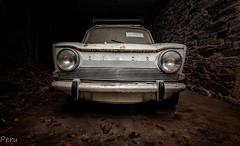 Morro (Perurena) Tags: coche car vehículo viatura maquina abandono decay oxido galpón pendello urbex urbanexplore
