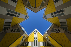 blue star (Blende1.8) Tags: yellow cube cubes angle sel1224g symmetry symmetrie holland niederlander netherlands sky building kubushäuser kubus kuben cubebuildings rotterdam architecture sony alpha ilce7m3 a7m3 a7iii abstract abstrakt geometry