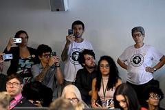 CDH - Comissão de Direitos Humanos e Legislação Participativa (Senado Federal) Tags: cdh reuniã£o emendas plc1302011 igualdadesalarial smartfone manifestante celular camiseta brasãlia df brasil reunião