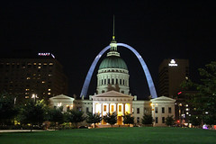 The Gateway Arch at Night (big_jeff_leo) Tags: night city cityscape american america architecture arch archway building oldbuilding structure court