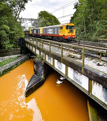 20132 and 20118 at Kidsgrove (robmcrorie) Tags: crewe stoke dcr 20118 20132 bridge orange canal nikon swans trent esso mersey longport sidings d850 kidsgrove class land 20 staffordshire recovery branch pinnox 6z37