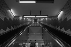U-Messehallen-230919-8220 (sternfreund2017) Tags: hamburg ubahn blackandwhite