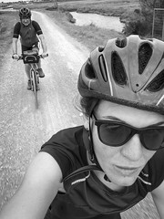 Oporrak bizikletan 2019 004 (Joxefe Diaz de Tuesta) Tags: 01hainbat ane bicicleta bicycle bicyclette bizikleta blackwhite blancoynegro etxekoargazkiak etxekook europa europe ezaugarriteknikoak france francia frantzia gens gente gurefamilia jendea joxefe noiretblanc people txuribeltza vendee vélo zuribeltza 自転車