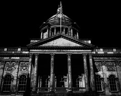 Liverpool Town Hall (Niaic) Tags: liverpooltownhall liverpool urban city building structure architecture dalestreet castlestreet waterstreet georgian civic merseyside grand grandeur monochrome blackandwhite highcontrast outdoors scale voigtlander voigtlandernokton40mm sony a7ii public townhall national international