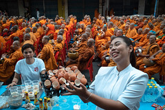 *B SIDE. (Sakulchai Sikitikul) Tags: street snap streetphotography summicron songkhla sony monk thailand hatyai a7s leica