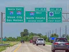 I-29/I-680 Junction, 12 July 2019 (photography.by.ROEVER) Tags: minnesota 2019 july july2019 vacation roadtrip 2019vacation 2019roadtrip minnesota2019roadtrip minnesota2019vacation drive driving driver driverpic ontheroad road highway afternoon iowa pottawattamiecounty crescent omaha omahametro i29 i680 interstate29 interstate680 interstate freeway northbound northboundi29 sign signs bgs biggreensign overheadsign exit61a exit61b countyroadg37 usa