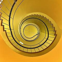 yellowsubmarine (Dietmar Theile Fotografie) Tags: stairs dietmartheilefotografie yello architecture building architecturephotography staircase steps stairsandsteps räumefürträume treppenhaus treppenhausfreitag