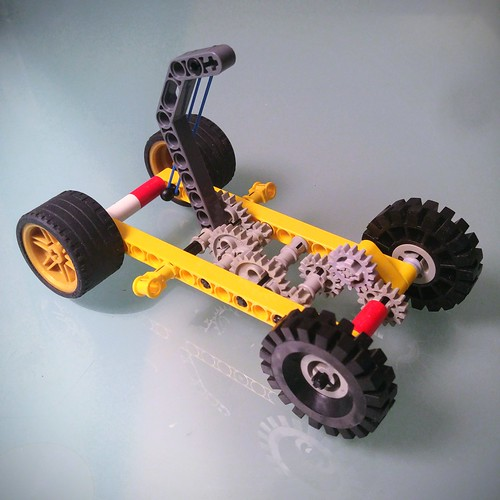 Lego Windup car with rubber band