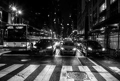 Urban night lights (ricardocarmonafdez) Tags: newyork nyc manhattan ciudad city urbanscape streetphotography lowlight highiso lights dark darkness monocromo monochrome bn bw blackandwhite nikon