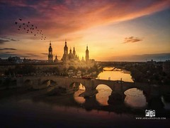 Atardecer Basílica del Pilar en Zaragoza - Adrian Sediles Embi (Sediles) Tags: adriansedilesembi sediles fotosediles zaragoza zgz aragon spain españa atardecer sunset sun sol amanecer sunrise orange red rojo cielo sky clouds nubes nature naturaleza paisaje landscape cityscape reflection places skyline saragossa touristic medieval bridge travel river spanish architecture cathedral europe basilica tourism church water history city ebro old temple tower destination