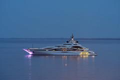 Un-petit-yacht (RS...) Tags: corse bastia baie yacht mer sea nuit night d500