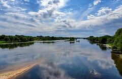 Muides-sur-Loire (hbensliman.free.fr) Tags: travel nature france loire outdoor pentax pentaxart pentaxk1 river clouds