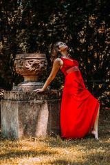 Z Karoliną w ogrodzie różanym (Małgorzataphotography) Tags: photography polska photo photographymypassion amazing fotografia foto fotografzielonagóra fotograflubuskie lubuskie zielonagóra zielonagora nikon forst niemcy kobieta sensual ogrodrozany zmyslowosc sesjazdjeciowa modelka sesja plener