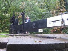 P1480822 (dave_attrill) Tags: gatepaddle lockgates gates operators opening marple peakforest canal towpath peakdistrict nationalpark cheshire cheshirering oldknow september 2019 thomastelford