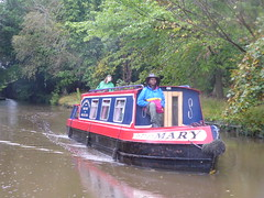 Barge approaching Marple Aqueduct   (Peak Forest Canal)   September 2019 (dave_attrill) Tags: barge marple peakforest canal towpath peakdistrict nationalpark cheshire cheshirering oldknow september 2019 thomastelford