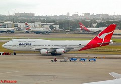 QANTAS B747 VH-OEH (Adrian.Kissane) Tags: taxing ramp australia skyaviation outdoors airline airliner 747 boeing jumbojet jet plane airport aircraft aeroplane 32912 712009 b747 vhoeh sydney qantas