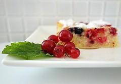 fruit cake (majka44) Tags: food cake fruit 2019 light red currants kitchen dessert gourmet composition stilllife sweet temptation white colors green leaves mint fresh summer