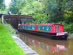 Barge leaving Lock No2, Marple Locks.   (Peak Forest Canal)   September 2019 (dave_attrill) Tags: barge bridge marple peakforest canal towpath peakdistrict nationalpark cheshire cheshirering oldknow september 2019 thomastelford