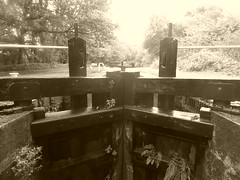 P1480813      Gates at  Lock No2, Marple Locks.   (Peak Forest Canal)   September 2019 (dave_attrill) Tags: lockgates gates marple peakforest canal towpath peakdistrict nationalpark cheshire cheshirering oldknow september 2019 thomastelford sepia